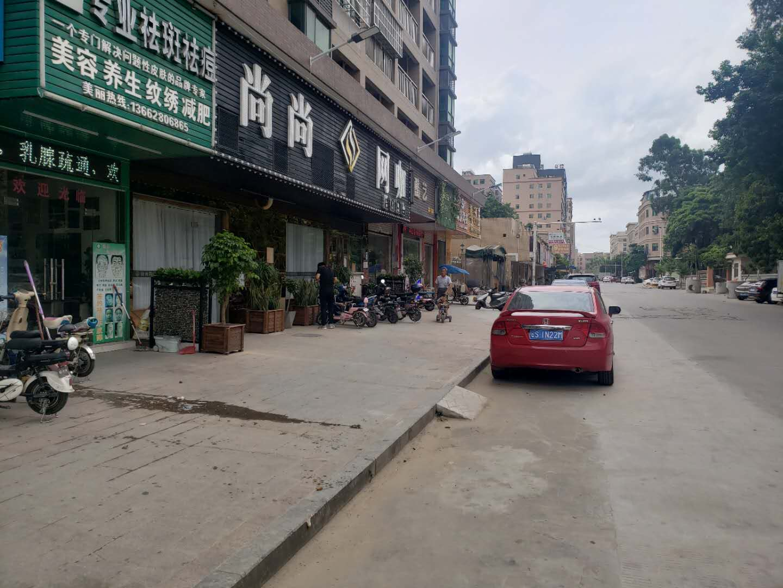 大朗奶茶店转让(喜茶)附近有小区!购物中心!大厦!工业区!公寓!